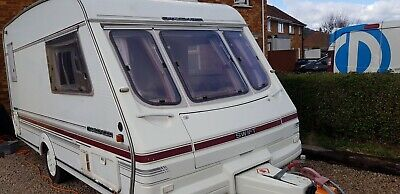 Swift Challenger 400se 2 berth caravan with awning very good condition