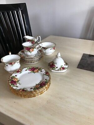 Royal Albert Old Country Roses tea set first class condition