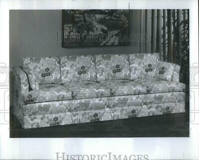 1968 Press Photo Thomasville Classic Four Cushion Sofa- RSA39553