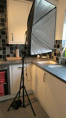 Voilamart Softbox Lighting Photography Light Stand - all working order