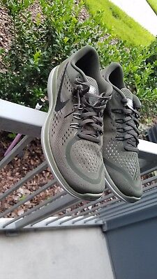 075b8640c33 NIKE FLEX 2017 RN Running Mens Shoes Sequoia Olive 898457-300 size ...