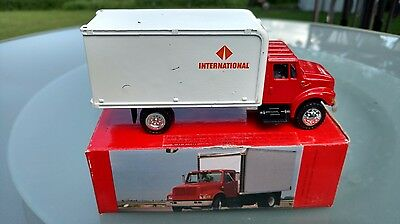 Authentic Scale Model International 4000 Series Truck and Van Body Diecast  NOS