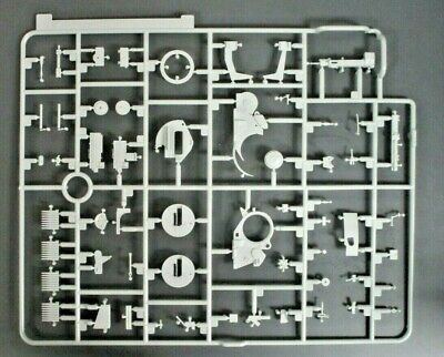 Dragon 1//35 Scale Flakpanzer IV Ausf G w//Zimmerit Parts Tree A from Kit No 6746