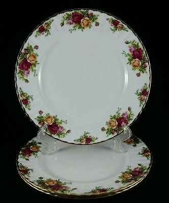 Royal Albert Old Country Roses Dinner Plate Excellent Gold Trim Mint!