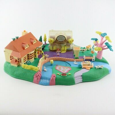 POLLY POCKET 1996 Magical Movin' Pollyville w/1 original doll