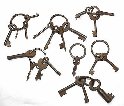 Indian Old Vintage Hand Crafted Iron Keys Set Collectible K 004