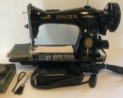 Vintage Singer Sewing Machine 15-91 Heavy Duty Gear Drive Manual Accessories