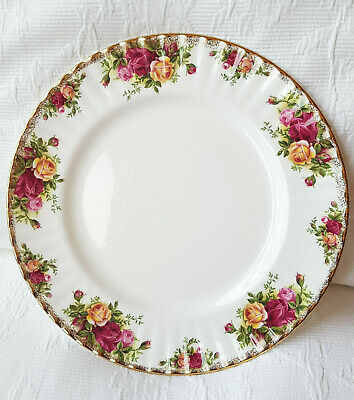 """ROYAL ALBERT old country roses china dinner plate 10.25"""" vintage English fluted"""