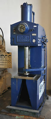 "30 Ton x 18"" Used Logan Hydraulic Press 6000 D-10 6222"