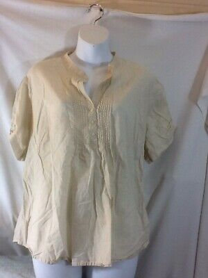 Cute woman's size 18/20W CATO Beige Short Sleeve 1/4 Button Shirt pre-owned NICE