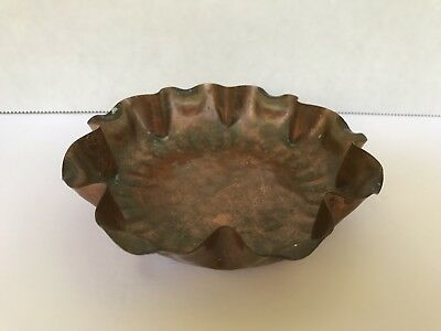Vintage Gregorian Solid Copper Hand Hammered Round Ash Tray Made in the USA