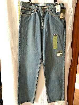 Mens Lee Relaxed Straight Leg 36x36 Relaxed seat and thigh fits at the waist