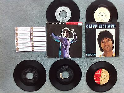 "Cliff Richard 5 x 45 RPM records 7""  Complete with Title cards for Jukeboxes"