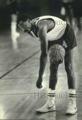 1984 Press Photo Milwaukee Bucks' Sidney Moncrief Leads NBA in Minutes Played