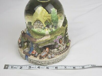 Rare Disney SNOW WHITE & THE SEVEN DWARFS Musical Snow Globe - Dwarfs Jewel Mine