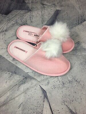 8c09a0eb43 Nwt Victorias Secret Fuzzy Pom Pom Slippers Pink About It Large 9-10 Msrp   29.50