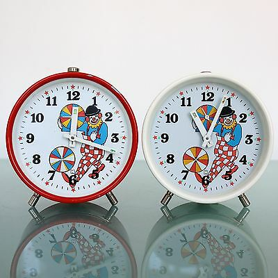 Dutch CLOWN Vintage Alarm Clock TOP Mantel ANIMATED FEATURE White Shelf Wind Up