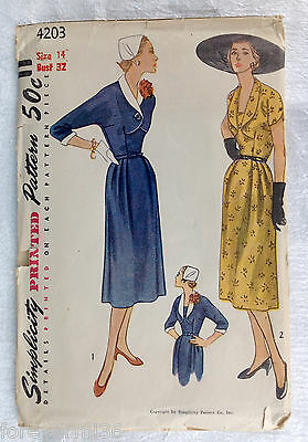 Vintage 1940s 1950s SIMPLICITY Women Sewing Pattern 4203 One-Piece Dress B32