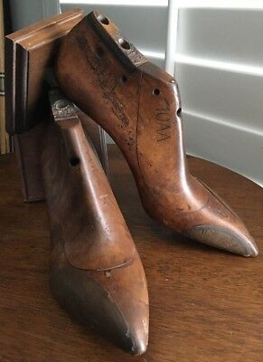 Antique Continental Wood Shoe Mold/Form Bookends Set Of Two Size 10AA High Heel