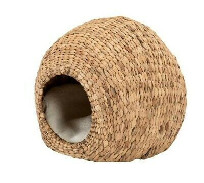 W and S Wickers and Straw Cat Igloo / Bed