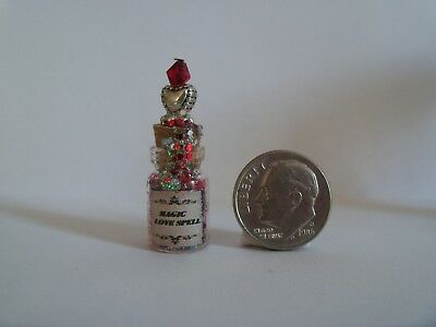 Dollhouse Bat Wings Halloween Magic Potion Bottle 1:12 Doll House Miniatures