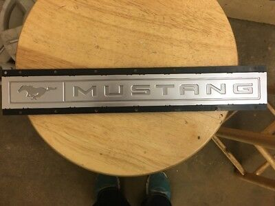 2015 Ford Mustang Metal Name Plate W Black Moulding Plate