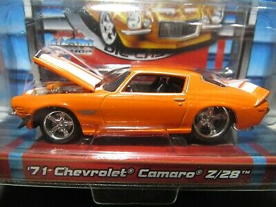 Orange 1971 71 Chevrolet Camaro Z/28 2005 Pro Rodz Maisto 1/64 Diecast Car