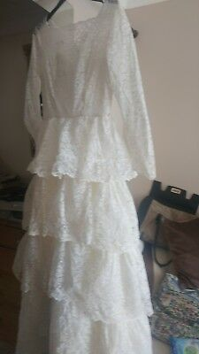 Stunning Vintage 1960s wedding dress