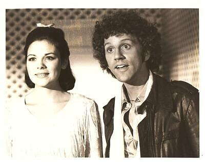 Kim Cattrall and John Rubinstein 8x10 Picture Photo Gorgeous Celebrity #1