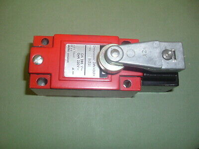 Honeywell 3Izsi ........ Limit Switch C/W Roller Lever..........  New Not Packed