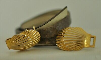 """Vintage Dotty Smith Sea Shell Buckle Belt .50"""" wide belting size 28 or less"""
