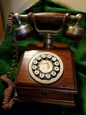"""Western Electric Wood Desk Telephone, """"Country Squire"""""""