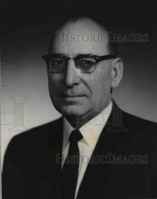 1960 Press Photo A.B. Martin, managing coordinator for Pacific Northwest Power