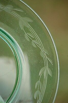 "Vintage Green Depression Glass 7-1/2"" Salad Plate w Floral Designs Unknown Maker"