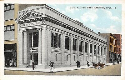 Ottumwa Iowa~First National Bank~Man Crosses Street~Store Next Door~1916 PC