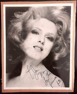 Amazing Movie & Television Collectible Autographed Photograph Bernadette Peters