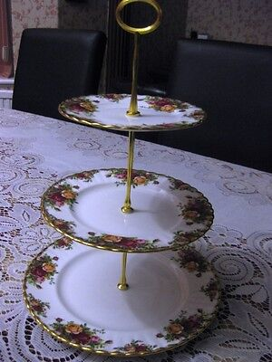 Large Royal Albert Old Country Roses Three Tier Cake Stand