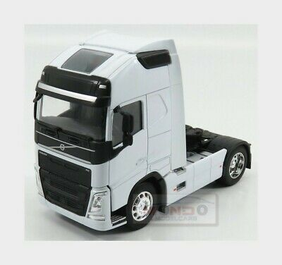 Volvo Fh4 500 Tractor Truck 2-Assi 2016 White WELLY 1:32 WE32690WH Model
