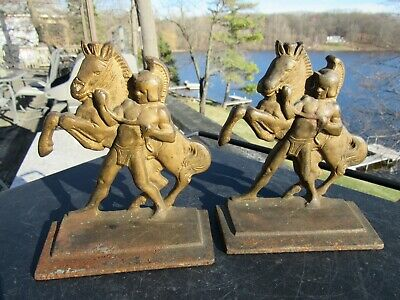 ANTIQUE 1920's CAST IRON ARTS AND CRAFTS / MISSION STYLE ROMAN SOLDIER BOOK ENDS