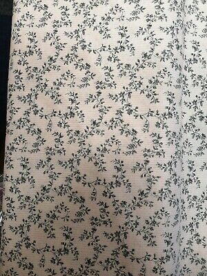 Cotton Fabric Fat Quarter quilting Civil War grey ditsy floral on Ivory Stof