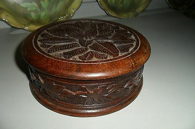 Gorgeous Antique Arts & Crafts Wood 4 Compartment Lidded Box.