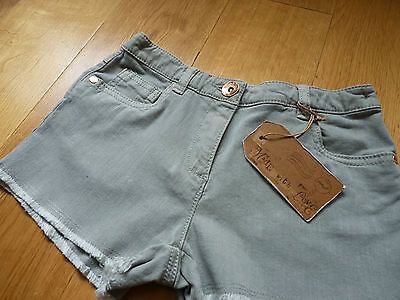 BNWT NEXT Girls Fantastic Light Khaki/Green Shorts, Size 8 years, Brand New!