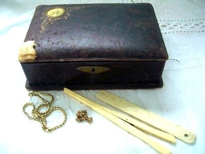 ANTIQUE VINTAGE LEATHER JEWELLERY / TRINKET / STORAGE BOX- with contents