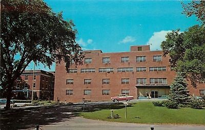 Rochester New York~Highland Hospital~1950s Car~Circle Drive~Nurses~1960 Postcard