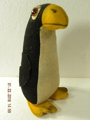 Vintage Felt Penguin pin cushion?