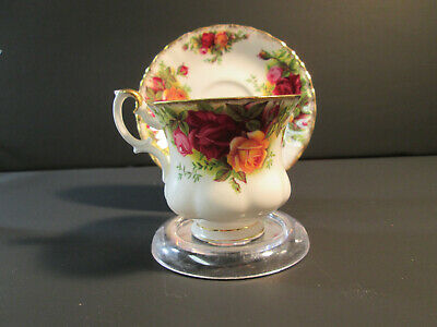 Royal Albert Tea Cup And Saucer Old Country Roses Bone China England