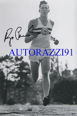 Sir Roger Bannister 1st Four minute mile RARE SIGNED 4X6 PHOTOGRAPH AUTOGRAPHED