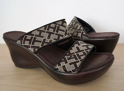 62ae93864 TOMMY HILFIGER Womens Brown Wedge Sandals Slade Platform Shoes Heels Size 6