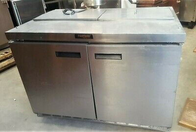 4ft Refrigerated SANDWICH TABLE by Delfield Refrigerator