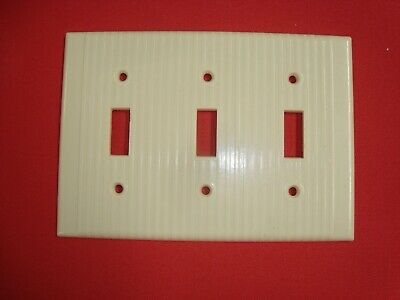 VTG LEVITON BAKELITE Triple 3 gang TOGGLE SWITCH PLATE COVER Ribbed IVORY